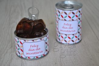 A combinação perfeita de brownie e brigadeiro gourmet de colher em uma latinha super criativa